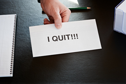 Kakšen je nov postopek po katerem lahko delavec poda izredno odpoved?