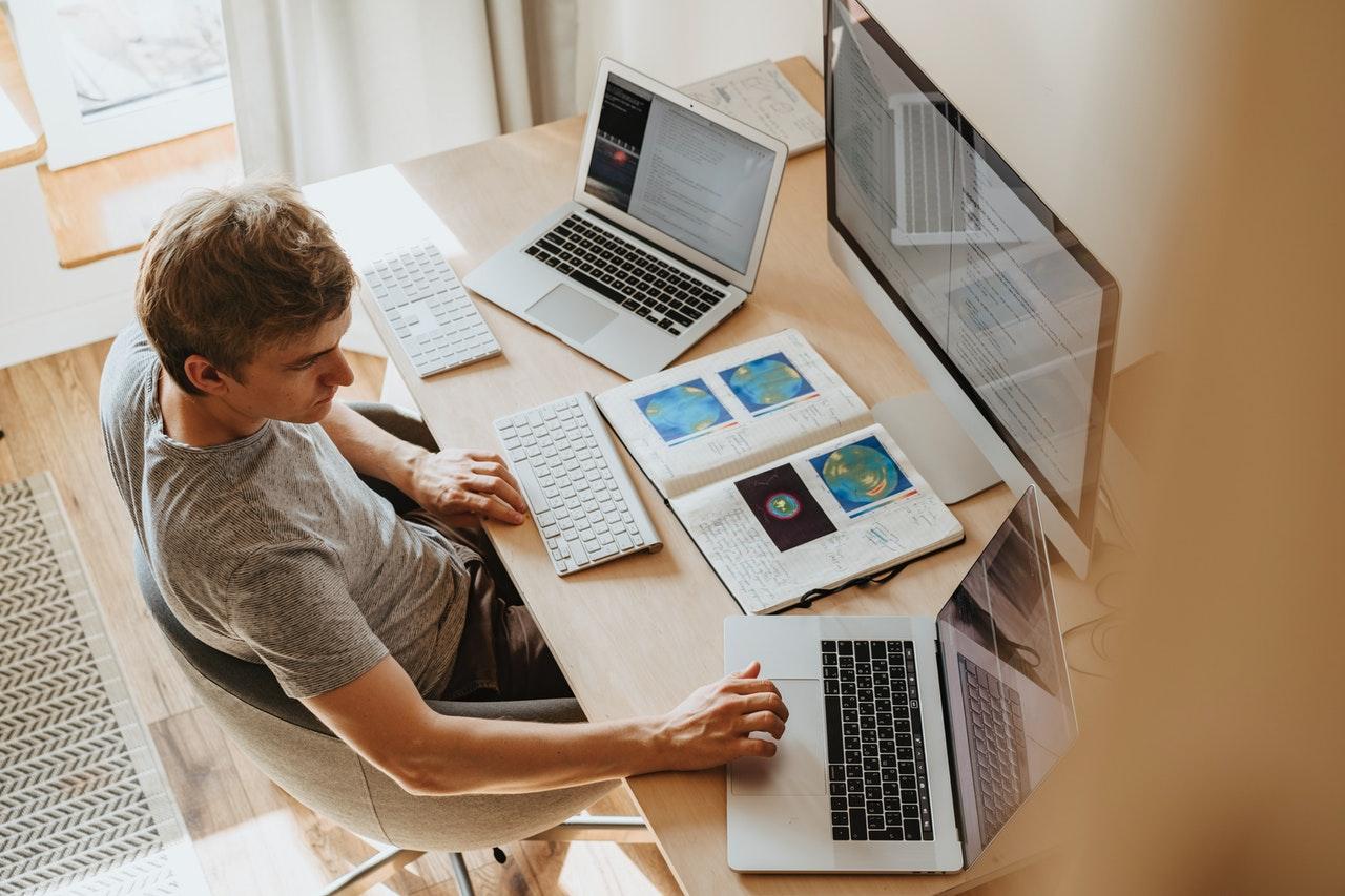 Kdaj lahko delodajalec zaposlenemu odredi delo na domu?