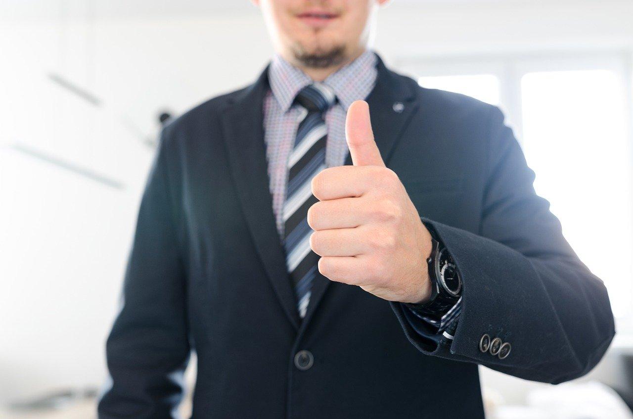 Kdaj zaposlenemu pripada odsotnost iz dela zaradi osebnih okoliščin?