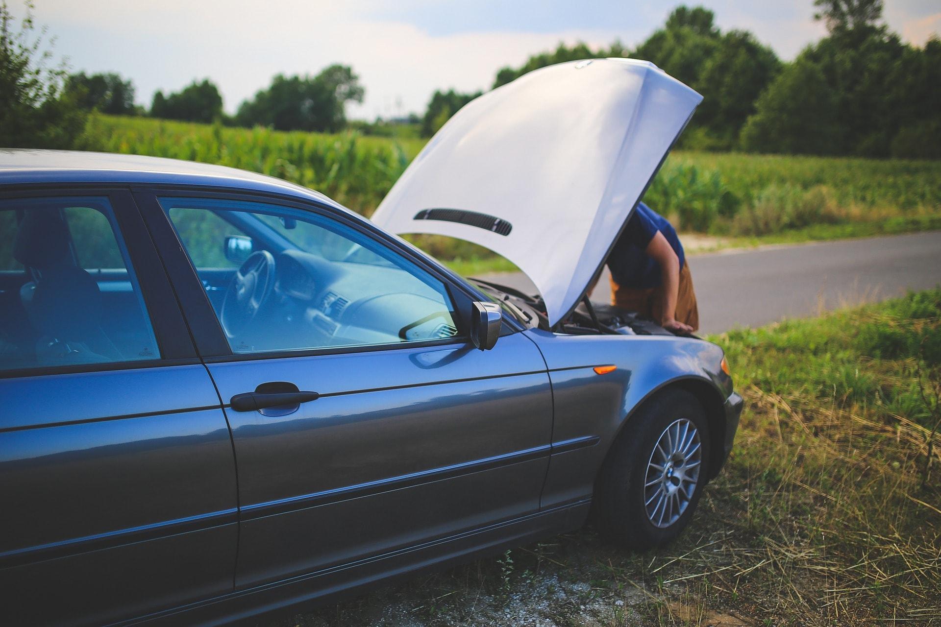 Kaj lahko stori kupec avtomobila, ki ima napako za katero ni vedel?
